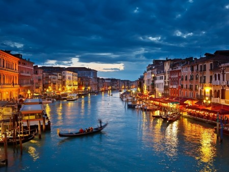 night-in-venice wallpaper